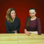 """Актриса театра """"Лица"""" Надежда Плашкина и администратор Фонда  Юлия Мельникова"""